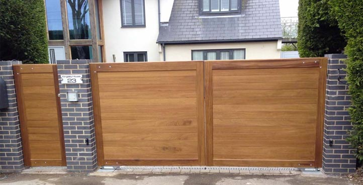 Classic Timber Infill Gate